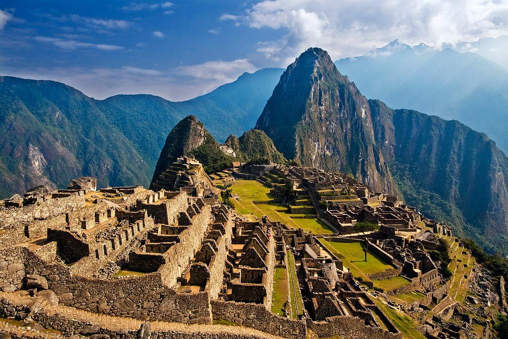 1024px-Machu_Picchu_Peru.jpg