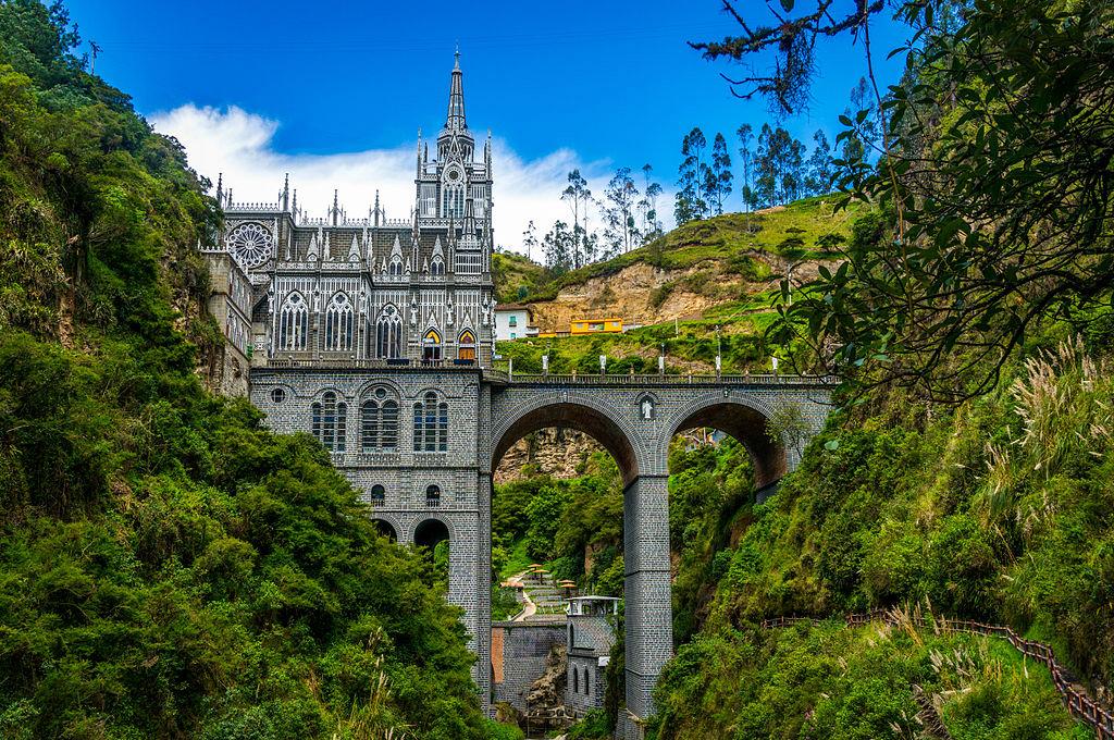 1024px-Santuario_Nacional_de_Las_Lajas_04-1.jpg