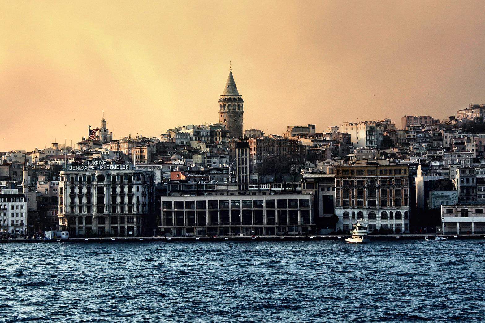 istanbul-1084458_1920-1.jpg