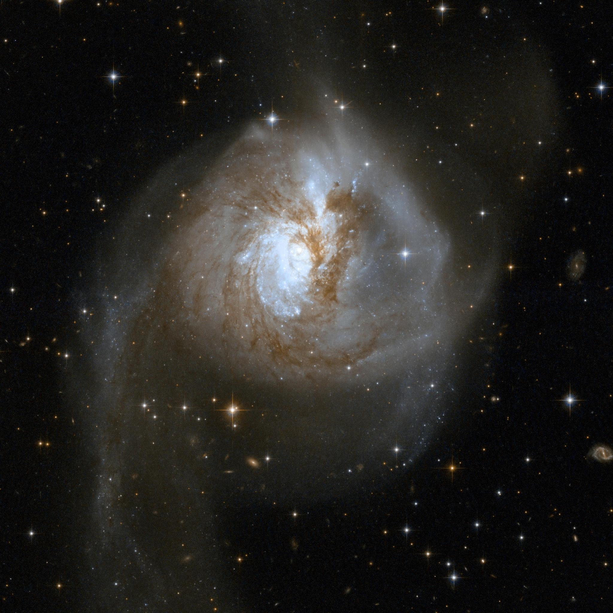 48-NGC3256.jpg